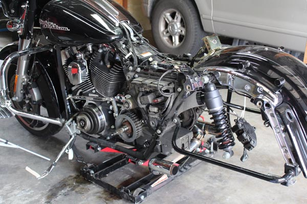 Replacing the Drive Belt on a Harley Davidson Touring Bike - Ride it