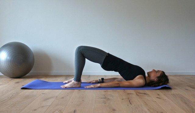 esercizio di pilates per rinforzare i muscoli della schiena utili in bicicletta