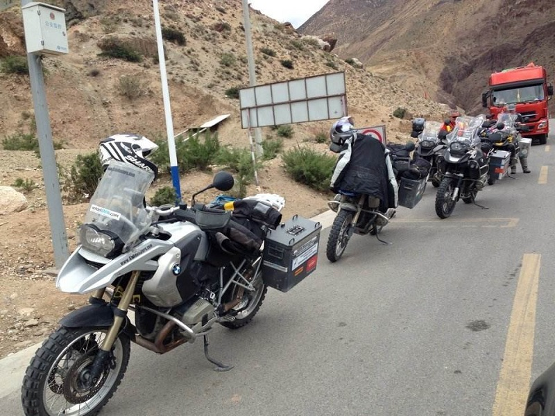 Motro Bike group in Tibet 1.