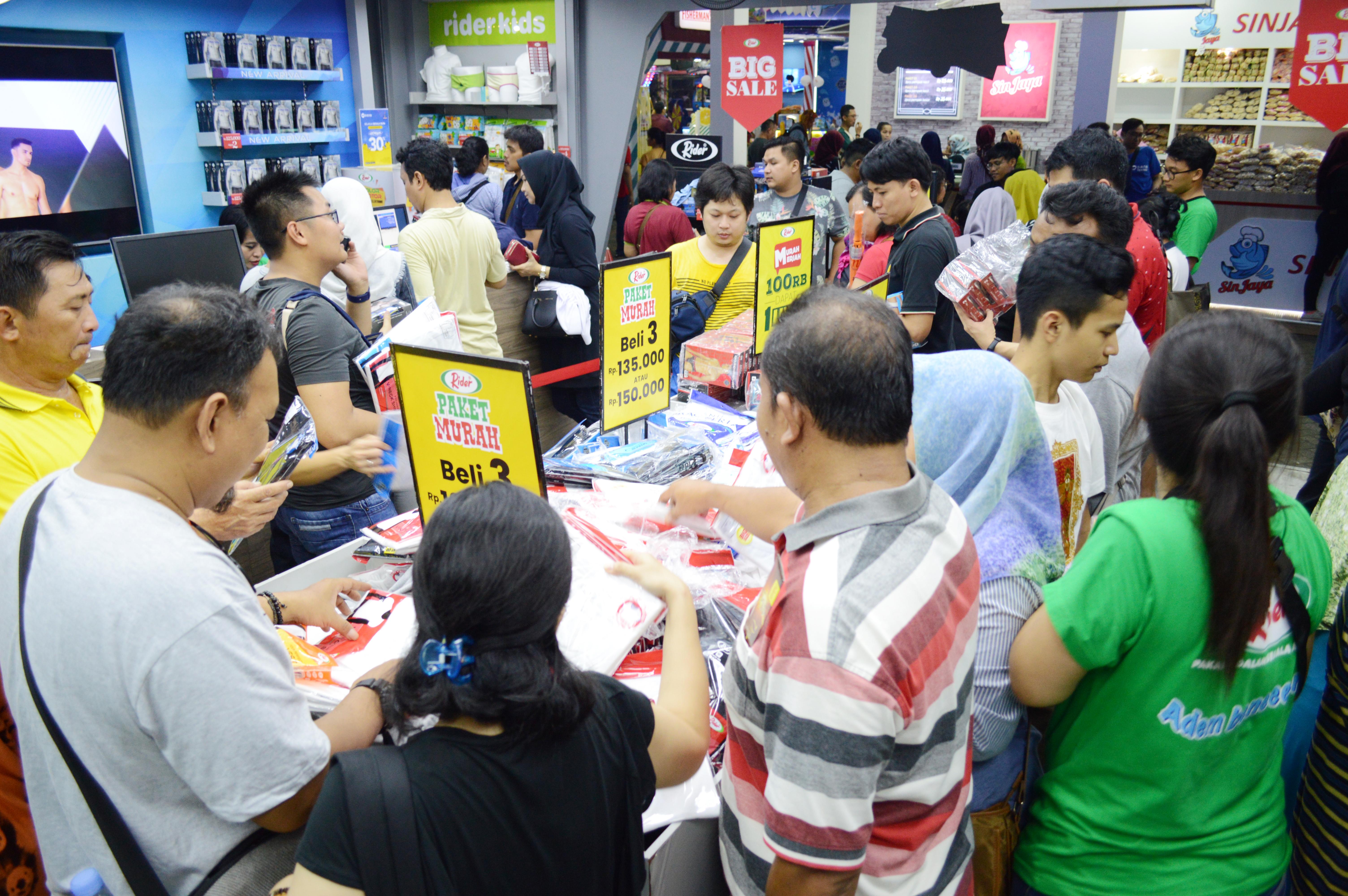 Crowd of Booth Rider at Pekan Raya Jakarta 2019