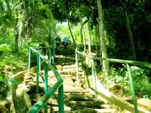 Tangga Terbuat dari Batu Alam untuk Naik Menuju Situs Gunung Padang Desa Karyamukti, Kecamatan Campaka Cianjur, Jawa Barat