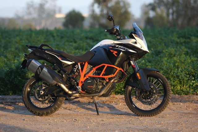 Compared to the standard model, 1190 Adventure R has taller, beefier, non-electronic suspension and more crash protection.