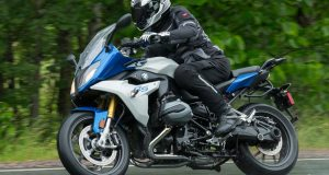 BMW-R1200RS-action-L