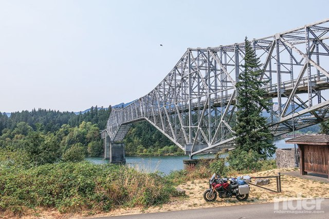 This 1,800-foot steel-truss cantilever bridge crossing the Columbia River at Cascade Locks is called the Bridge of the Gods, a reminder of the landslide that temporarily blocked the river a thousand years ago.