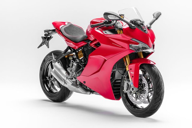 Ducati resurrects the legendary SuperSport name with a new street-focused sportbike powered by a 937cc Testastretta 11° L-twin. This is the up-spec SuperSport S in classic Ducati Red.
