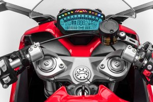 The Ducati SuperSport's instrumentation is fully digital, and the bike is compatible with the Ducati Multimedia System.