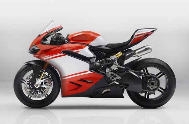 The 215-horsepower, 368-pound Ducati 1299 Superleggera is not a bike for the faint of heart.