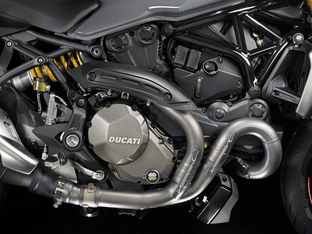 The liquid-cooled, 1,198cc Testastretta 11˚ L-twin in the Monster 1200/S is Euro 4 compliant and makes a claimed 150 horsepower and 93 lb-ft of torque.