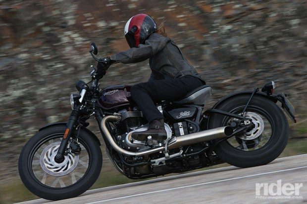 With its sporty tires and relatively high mid-mount foot pegs, the Bobber is capable of surprisingly aggressive lean angles.