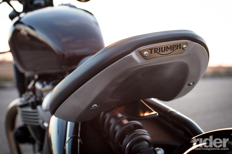 Triumph bonneville single seat conversion