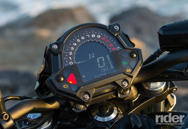 A trick new digital display replaces the aged design used on the 2016 Ninja 650. The rider can customize the digital tachometer sweeper with three different looks.