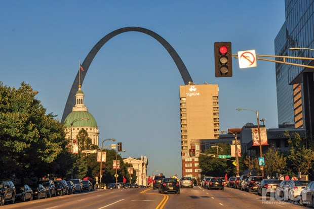 Built in 1965 to honor the westward expansion of the United States, the Gateway Arch sits at the site of St. Louis' founding on the west bank of the Mississippi River.
