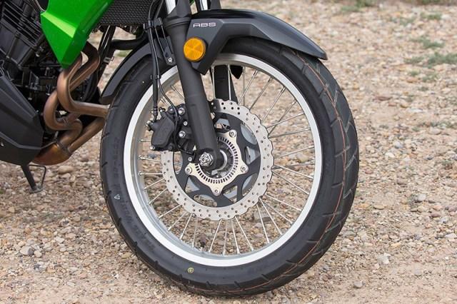 2017 Kawasaki Versys-X 300 front wheel