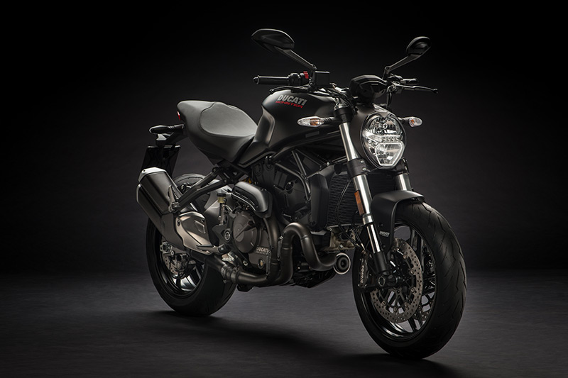2018 ducati monster 821 first look review rider magazine. Black Bedroom Furniture Sets. Home Design Ideas