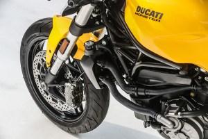 2018 Ducati Monster 821 wheel and fork