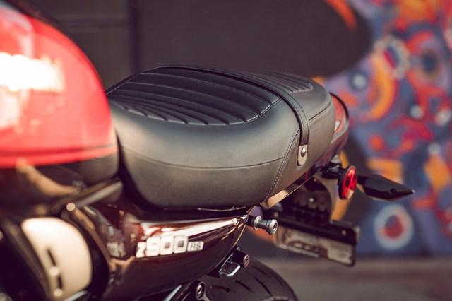 2018 Kawasaki Z900RS seat