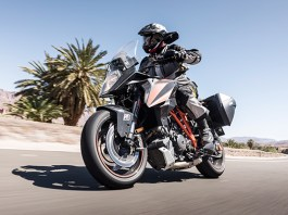 Bridgestone Battlax T31 sport touring tires on KTM 1290 Super Duke GT
