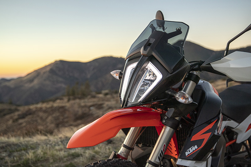 2021 KTM 890 Adventure R LED headlight