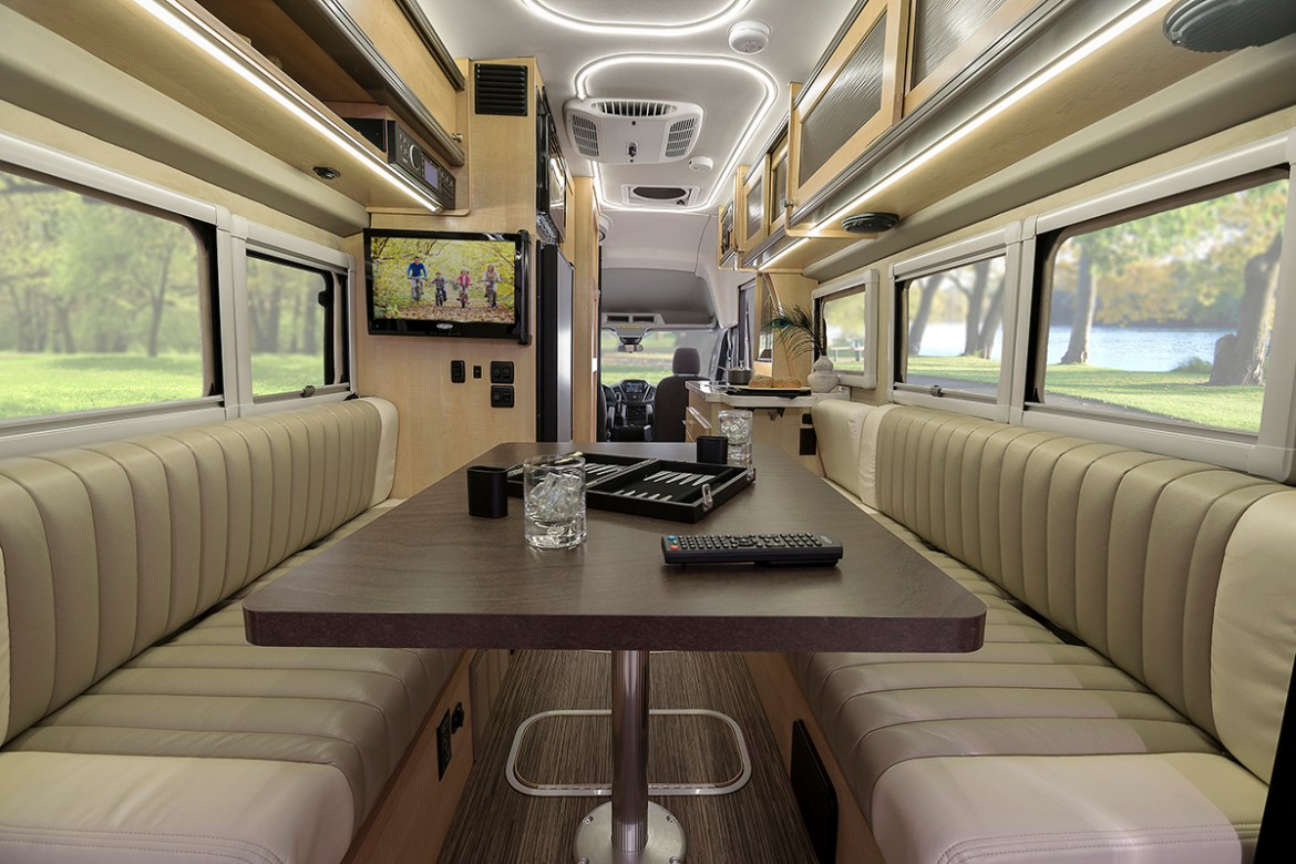 These Two Small Motorhomes Are A Lot Nicer Than My Old Econoline First Of All The Folks At Winnebago Know How To Design And Craft Interiors That