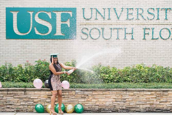 5 Expert Reasons to Make Your Graduation Photoshoot Monumental