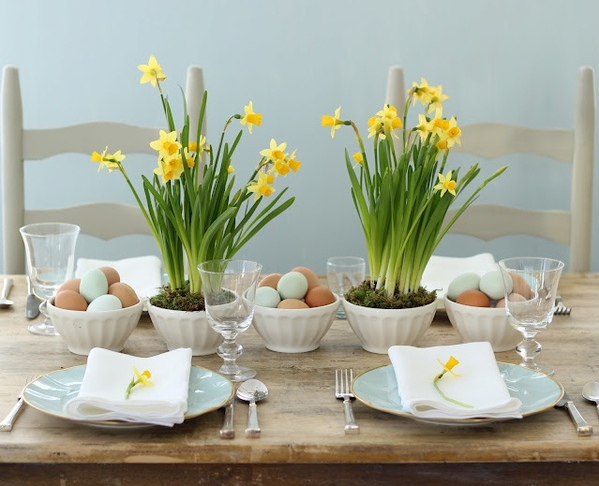 Easter Tulip Table Decoration