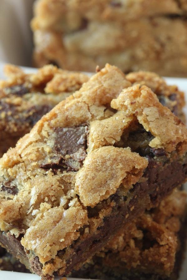 Chocolate Chunk Blondies (2) | Ridgely's Radar