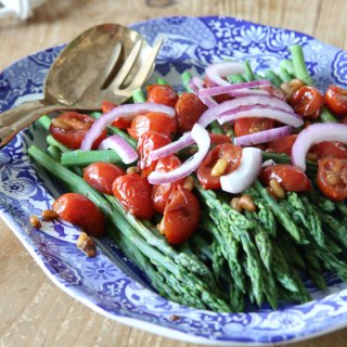 Asparagus with Balsamic Tomatoes and Pine Nuts