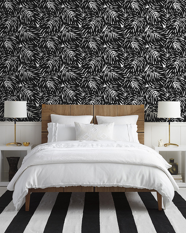 Ridgely Brode loves a gorgeous white bed and is excited to see what new duvet covers and shams are available at Serena & Lily on her blog Ridgely's Radar.