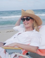 Ridgely Brode spends the day at the beach with her best girlfriends and shares a few pictures on her blog, Ridgely