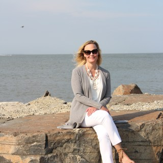 Ridgely Brode enjoys her new transitional Grey Ribbed Duster Cardigan on the first cool evenings at the beach on her blog, Ridgely's Radar.