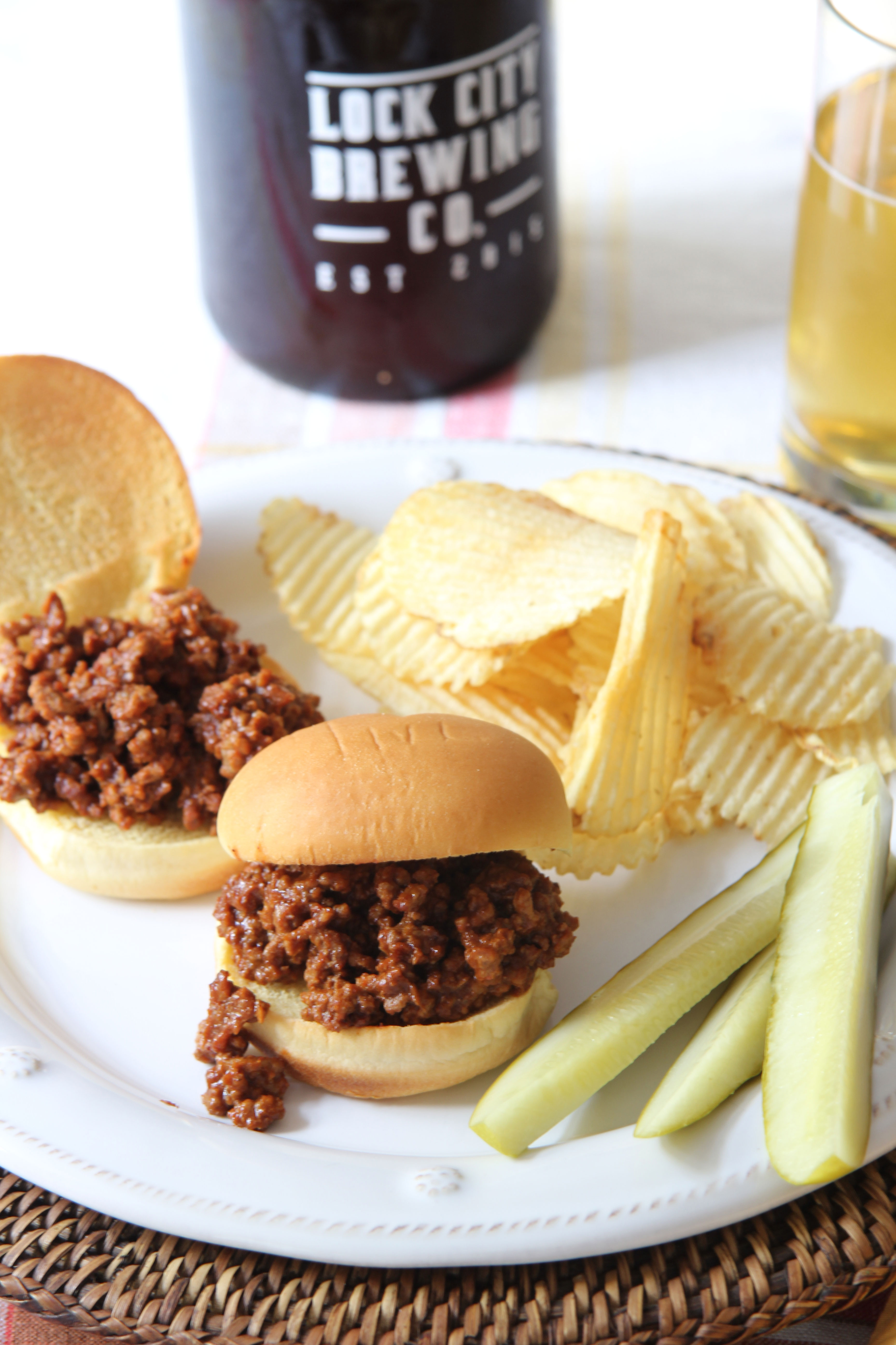 Ridgely Brode serves up delicious Sloppy Joe's made with spices from a local Connecticut source on her blog, Ridgely's Radar.