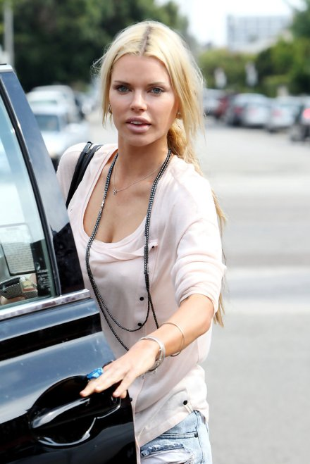 0015-Sophie_Monk_Sophie_Monk_West_Hollywood_Rt5nC54rqwex