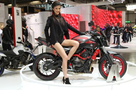 Yamaha MT-09 on Ridin'GirlsBlog