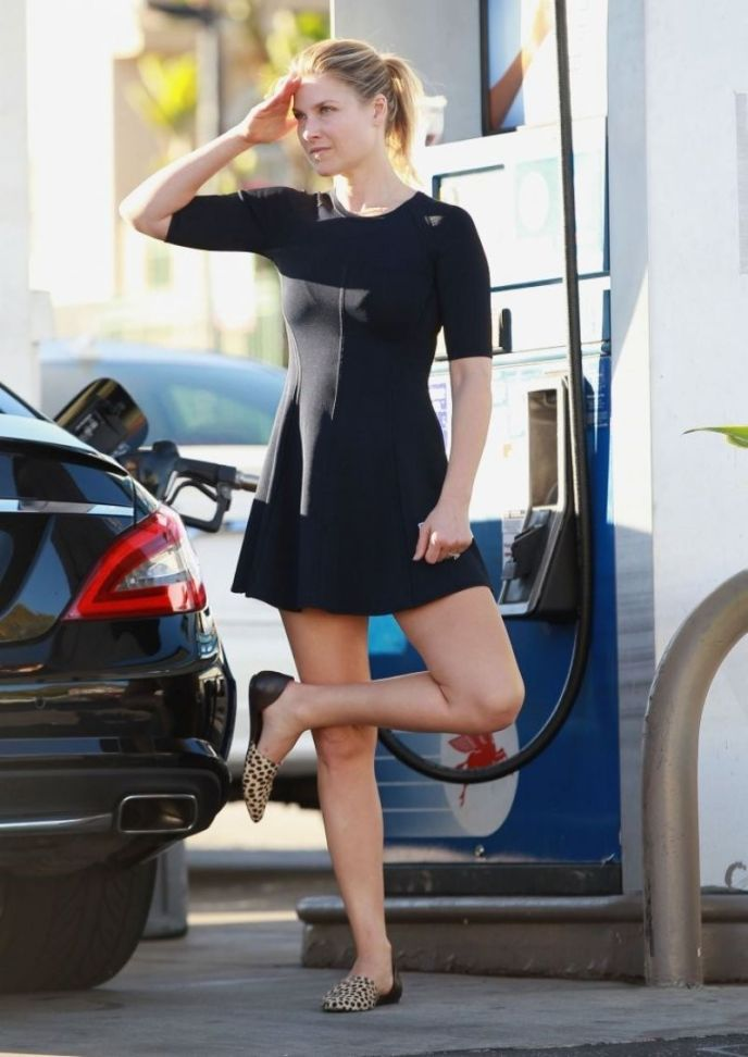 Ali Larter Does Yoga Poses While Pumping Gas In L.A.