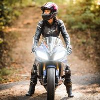 Photoshoot of the Week: December 2nd - 8th 2019 - Yamaha YZF-R6 & Sarah