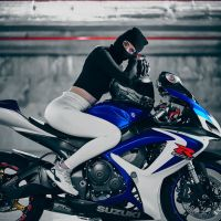 Photoshoot of the Week: March 9th-15th 2020 - Suzuki GSX-R600 K7 & Issabelle Patricia