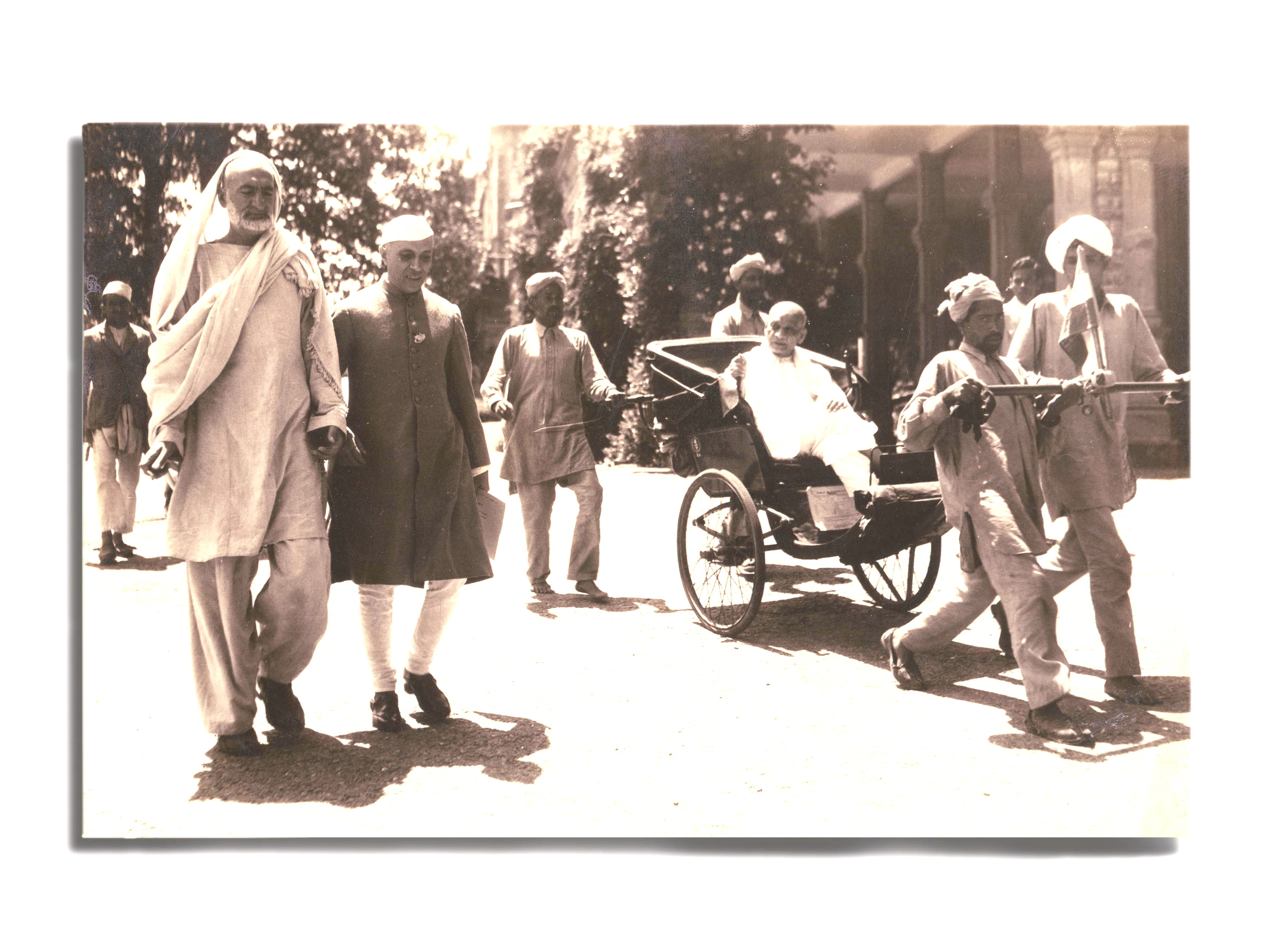 In Simla for the 1946 independence conference - Abdul Ghafar Khan, Nehru, and Sardar Patel (in the rickshaw)
