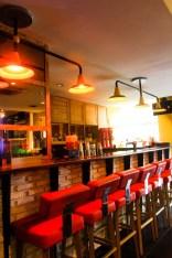 suasana cafe nyaman indah hangat - furniture cafe jepara