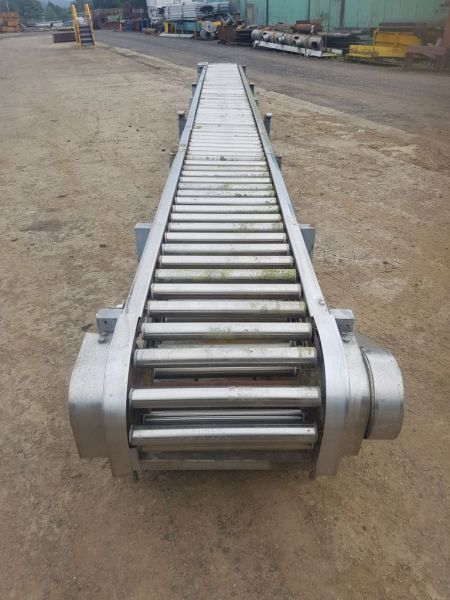 8 Metre Long Stainless Steel Carton Conveyor  W Rietveld Ltd