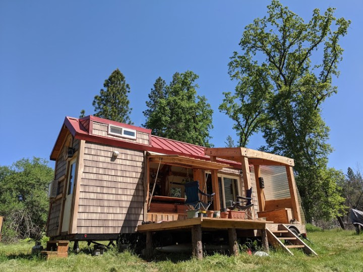 DIY 280 sq.ft. 100% off-grid tiny house