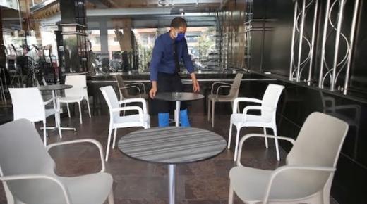 أرباب المقاهي والمطاعم يصعدون في وجه الحكومة ويخوضون إضرابا وطنيا