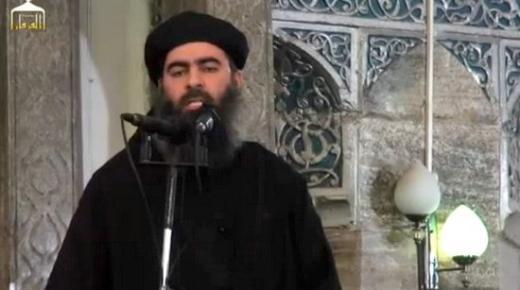 """فيديو: أبو بكر البغدادي في أول ظهور علني: """"أطيعوني ما اطعت الله فيكم"""""""
