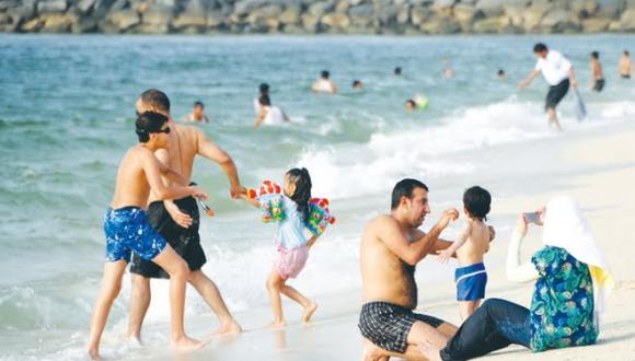 العطلة الصيفية وعيد الأضحى.. وزارة الصحة تحذر المغاربة من انتكاسة جديدة