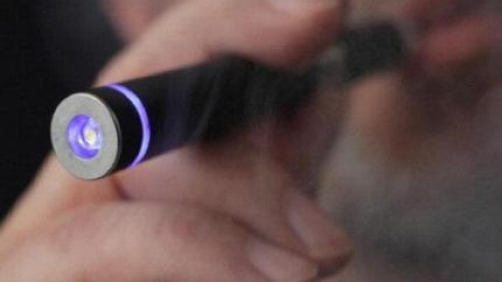 وزارة الصحة تحذر المغاربة من استعمال السيجارة الإلكترونية