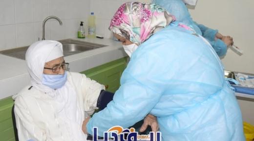 وزير الصحة يلزم مراكز التلقيح بإعادة قنينات اللقاح الفارغة وهذا السبب