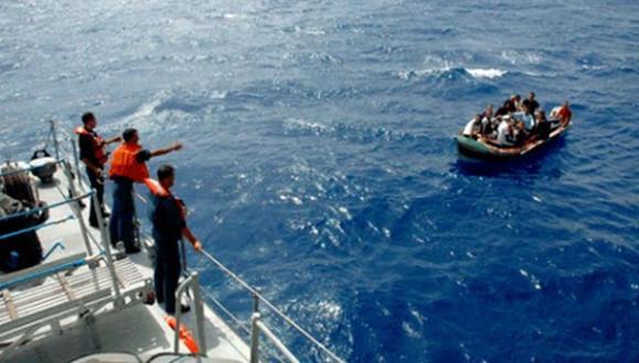 البحرية الملكية تنقذ 100 مرشح للهجرة السرية قبالة سواحل الريف