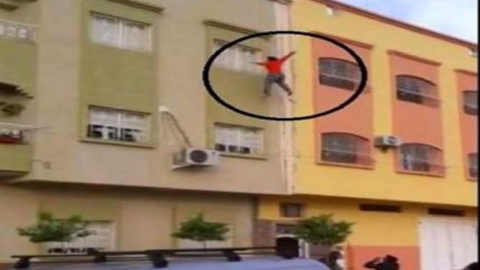 انتشار فايسبوكي كبير لفيديو يرصد مباشرة لعملية انتحار فتاة بمكناس