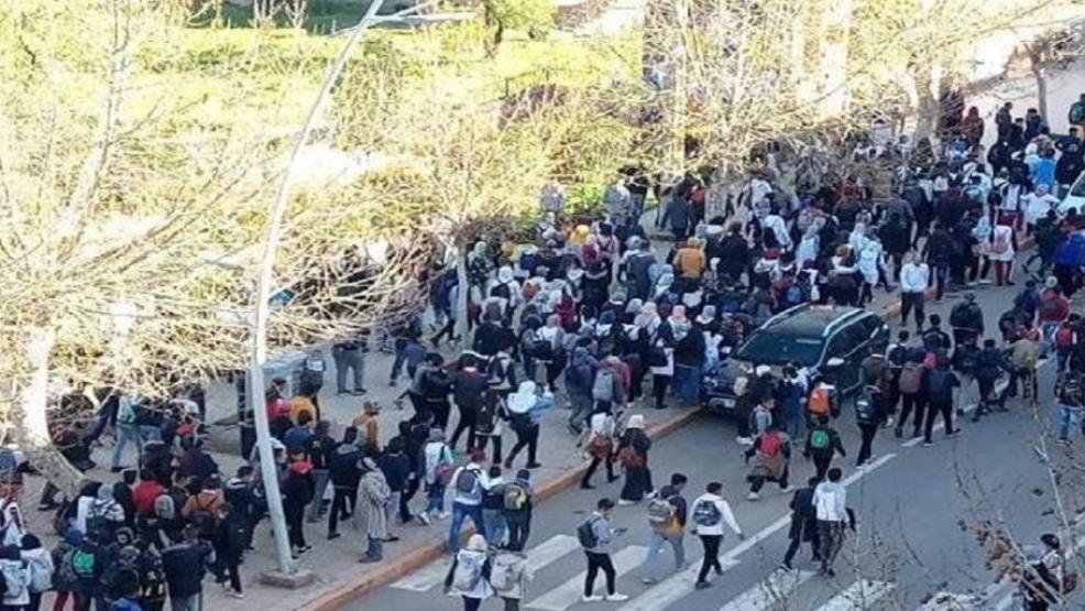 """تحريض التلاميذ على الاحتجاج.. التنسيقية الوطنية لأساتذة """"التعاقد"""" ترد"""