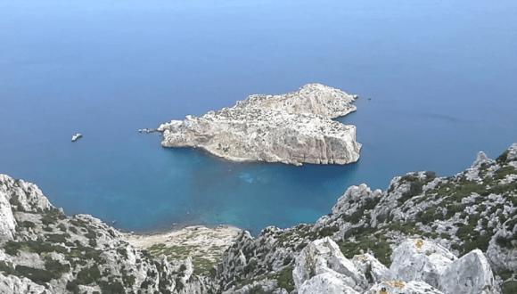 إسبانيا تخرج رفات جثث مدفونة بجزيرتين مغربيتين محتلتين