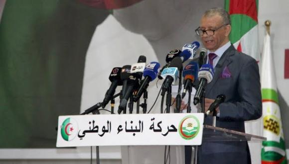 بعد أن طالب المغرب بحق تقرير مصير منطقة القبائل.. حزب جزائري يدعو لإعلان الحرب على المملكة